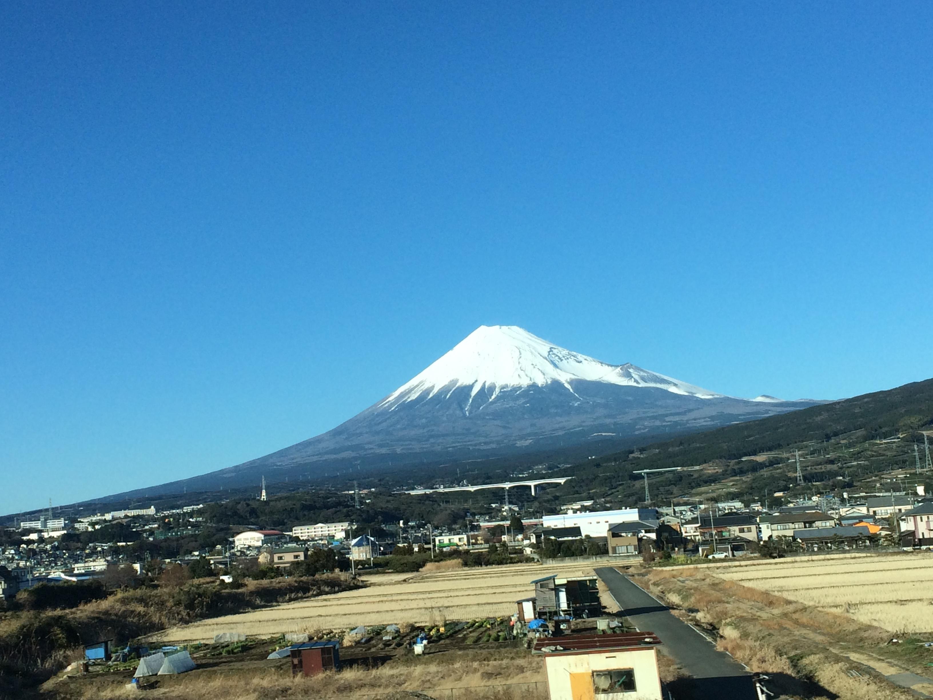 新幹線からiPhoneで富士山を撮影したよ!
